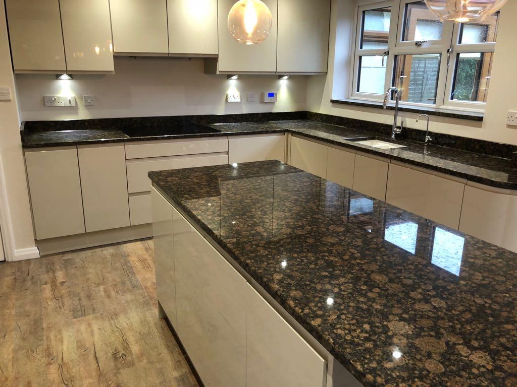 Granite Vs Marble Kitchen Worktops The Marble Granite Company
